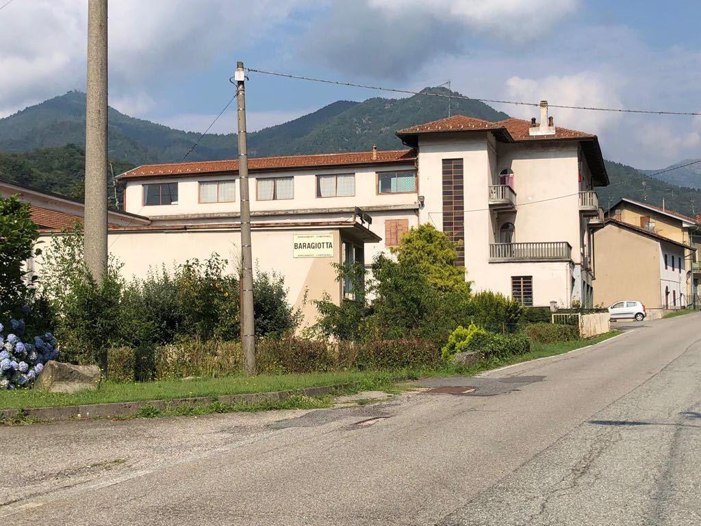 Appartamenti con ampio terrazzo coperto