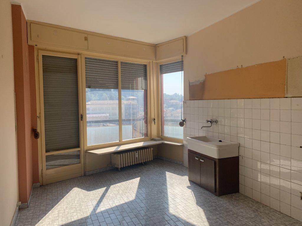 Appartamento con box e cantina al 6 piano
